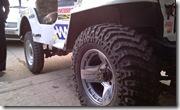 CJ3B Tyre change MAXXIS MUDZILLAS at Kartar tyre-12